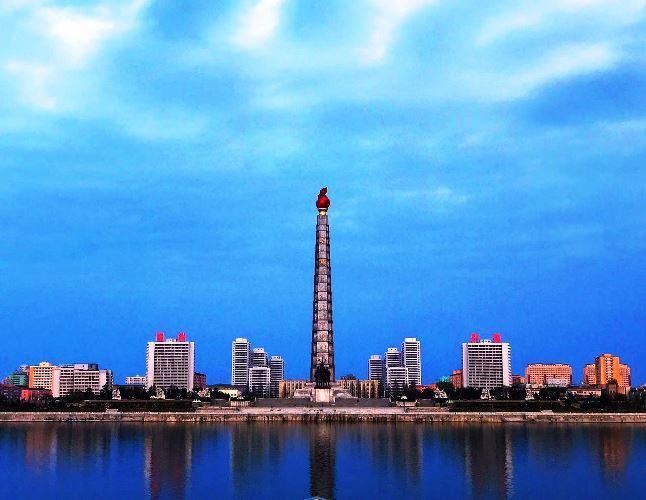 Juche Tower / Monument der Chuch'e-Ideologie in Pjöngjang / Nordkorea